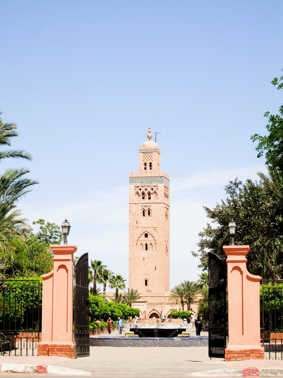 top tourist attractions of Marrkech, Morocco: Koutoubia Mosque seen from yet another angle