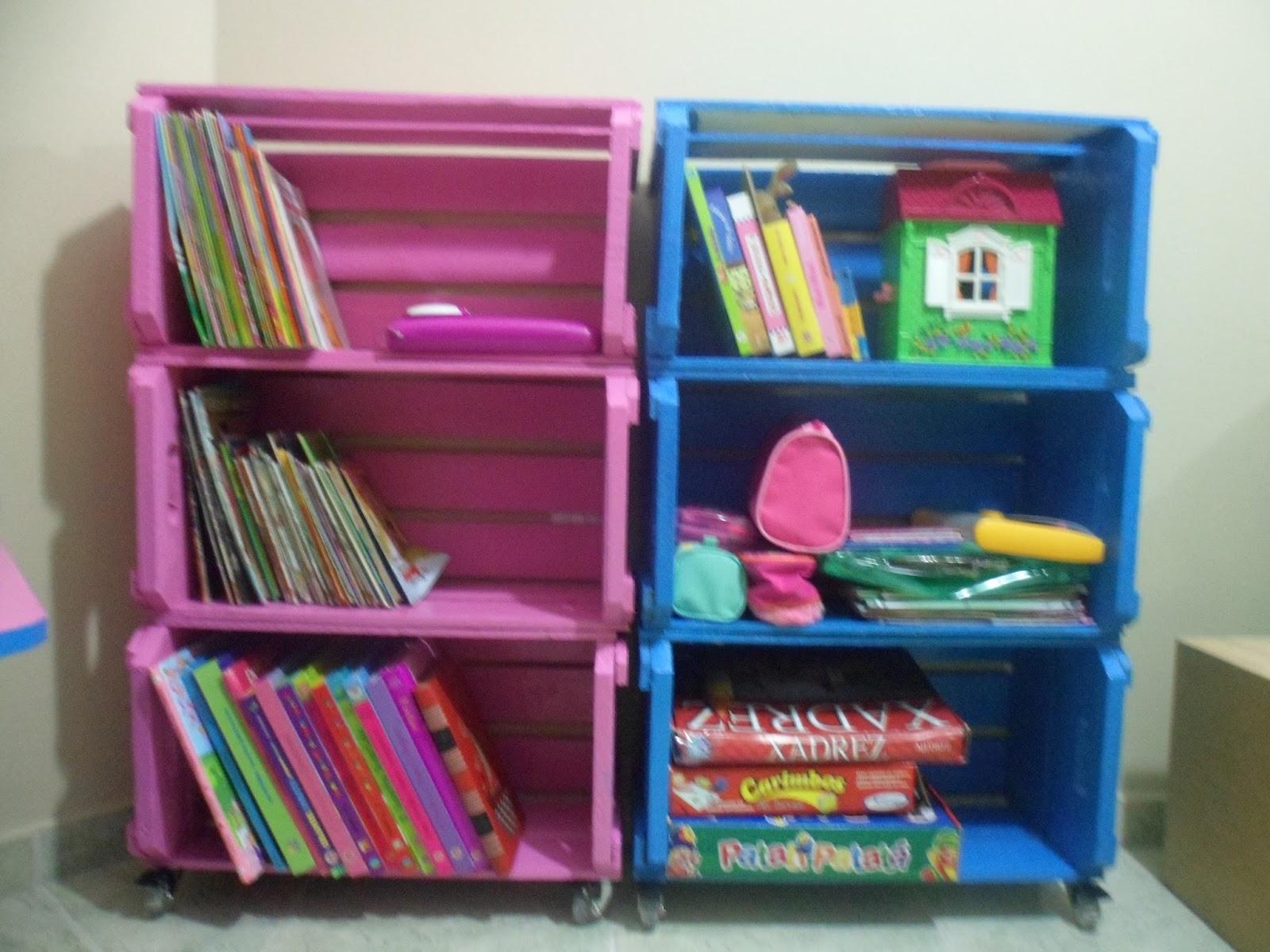 Agora aqui em casa é tudo rosa e azul! Lixei as caixas passei um  #266AA5 1600x1200