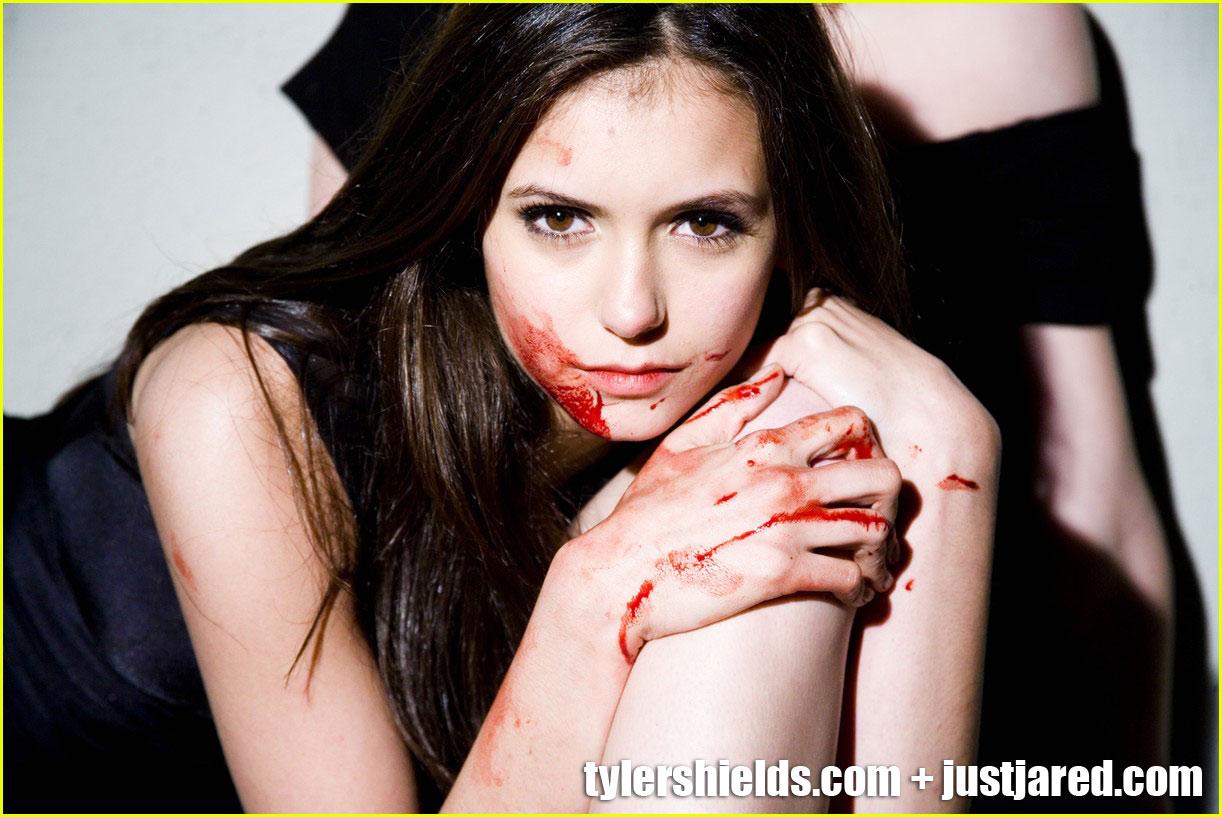 http://1.bp.blogspot.com/-CHDkVo_yyKU/Tl5ifHdP7fI/AAAAAAAAAFU/BXRLSvcGYco/s1600/nina-dobrev-elena-gilbert-the-vampire-diaries-4.jpg