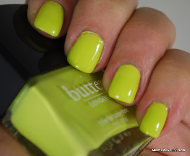 """Nail of the Day: Butter London Color Clash """"Wellies"""" (Swatches, Photos & A Mini Review) - Moms Makeup Stash"""