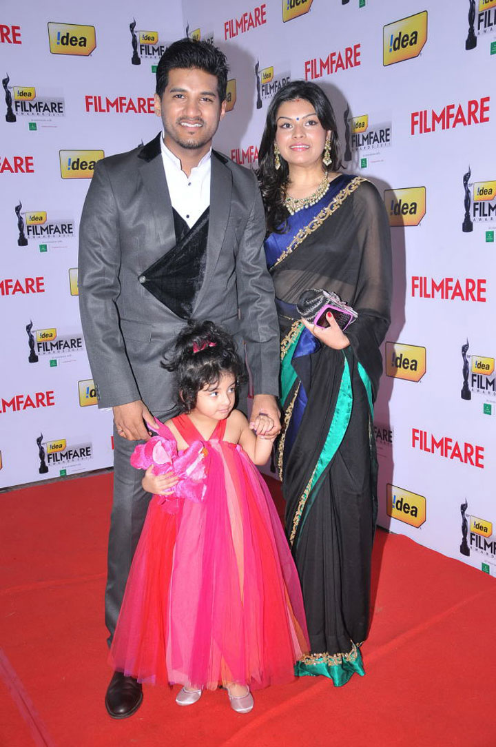 Celebrities at Film Fare south Awards 2012 Photos-HQ-Photo-20