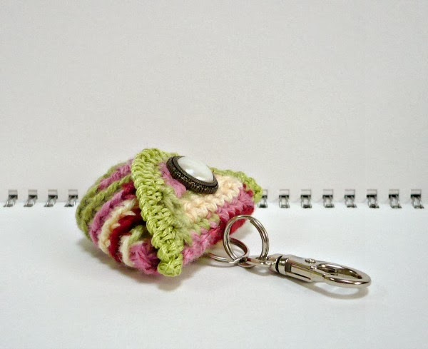 Crochet Quarter Keeper : Crochet Coin Purse/Keychain 2.5 x 2 inches