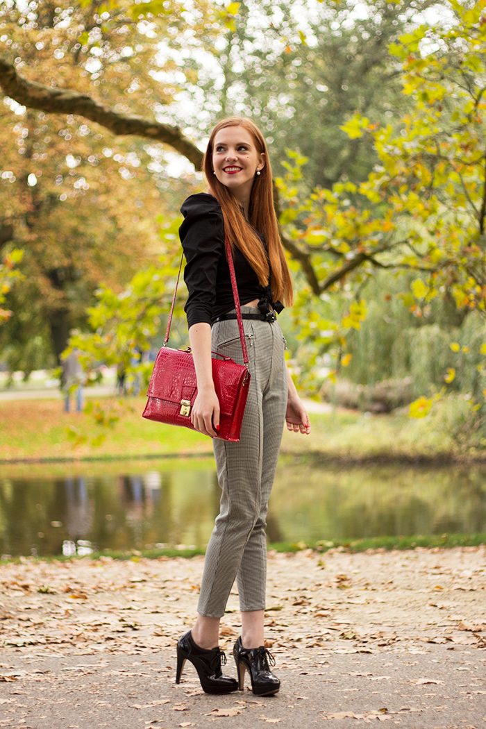 Outfit walk in the park in autumn