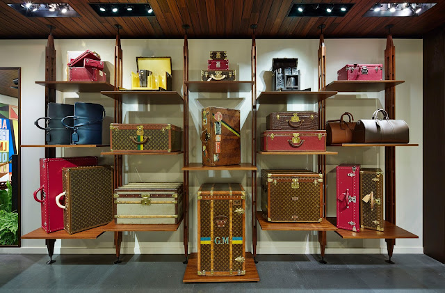 LAVENTURE, Aventure, LouisVuitton, louis-vuitton, lv, tyler-brule, lvmh, escale, voyage, explorateur, globetrotter-globe-trotters, magasin-éphémère,  pop-up-shop, bagage, valise, monogramme, paris, luxe, savoir-faire, artisanat, du-dessin-aux-podiums, avenue-montaigne, champs-elysees, paris, france