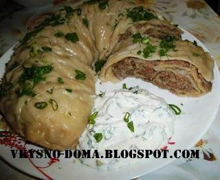 Ханум с мясом и белым соусом.Узбекская кухня.