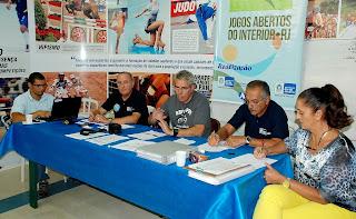 A reunião contou com a presença de representantes da Secretaria Estadual de Esportes e Lazer (FOTO 01)