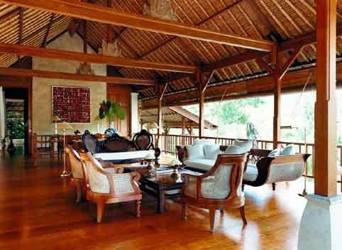 Interior Rumah Adat Bali - 04