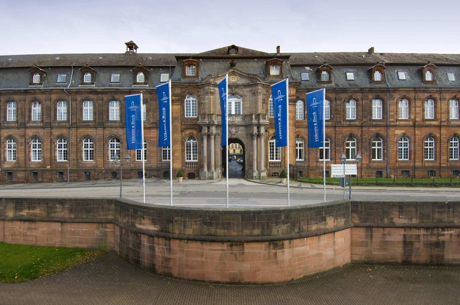 cinnamon in my purse mettlach the german city of outlets. Black Bedroom Furniture Sets. Home Design Ideas