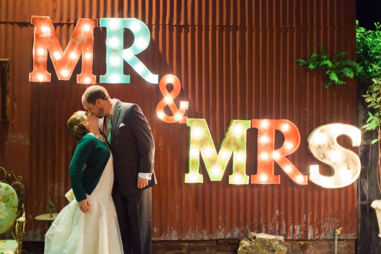 Mooresville Alabama vintage wedding