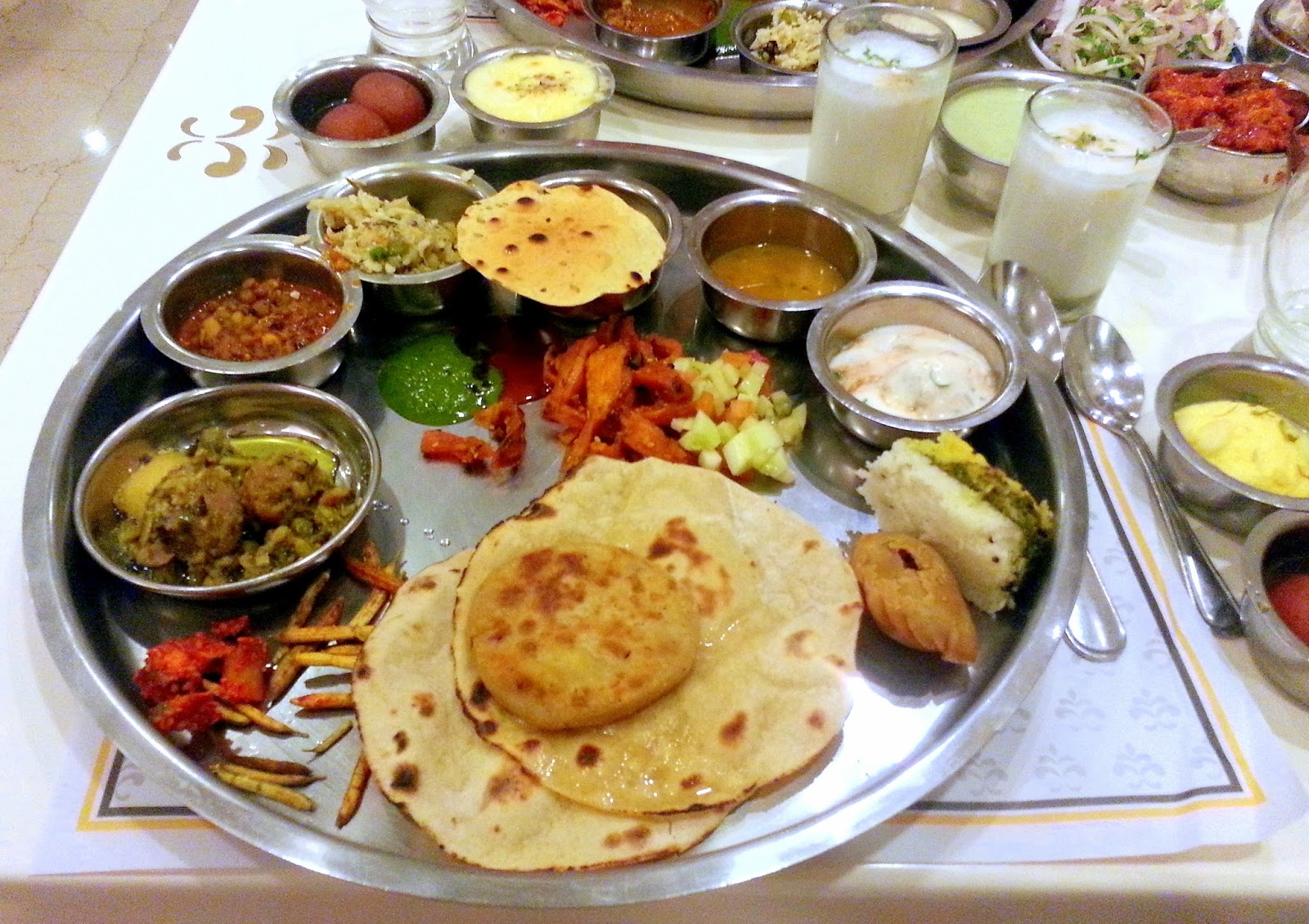 Ayurveda diet chart according to the seasons for Ayurvedic cuisine