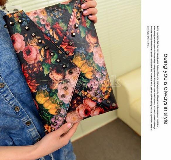 http://es.dresslink.com/womens-handbag-painting-rivet-clutch-bag-envelope-bag-shoulder-bag-p-9490.html