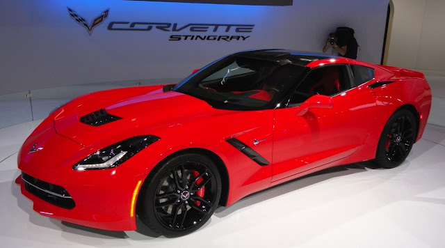 2014 Chevrolet Corvette Stingray at the 2013 Chicago Auto Show