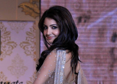 Anushka Sharma Fantastic Wallpaper