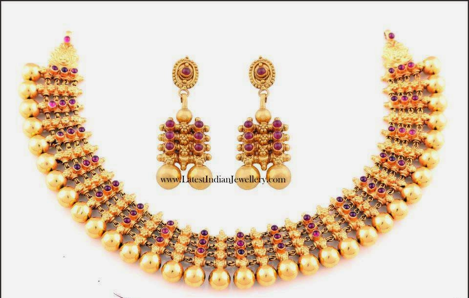 Gold Tussi Balls Necklace