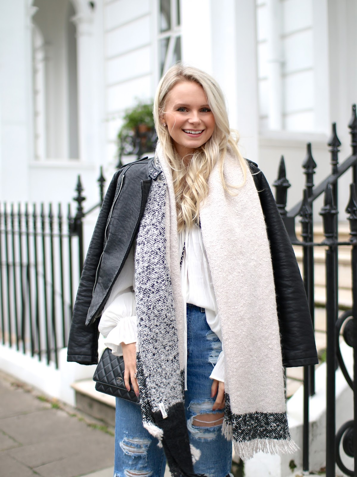 a black and white outfit worn in notting hill during the winter