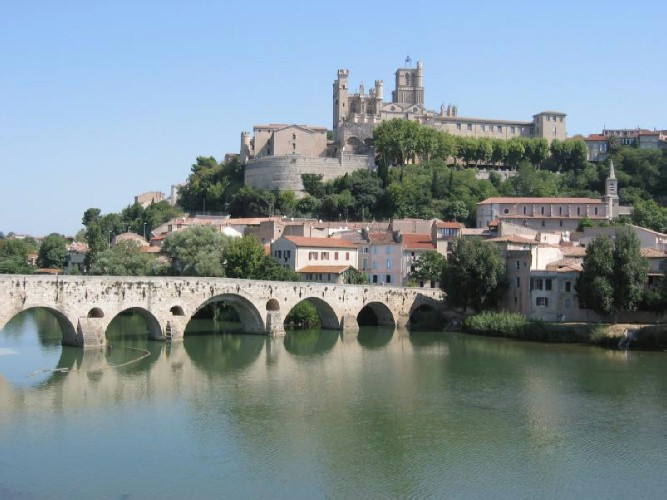 Atelier de campagne beziers avignon and a bit of isle for Piscine beziers