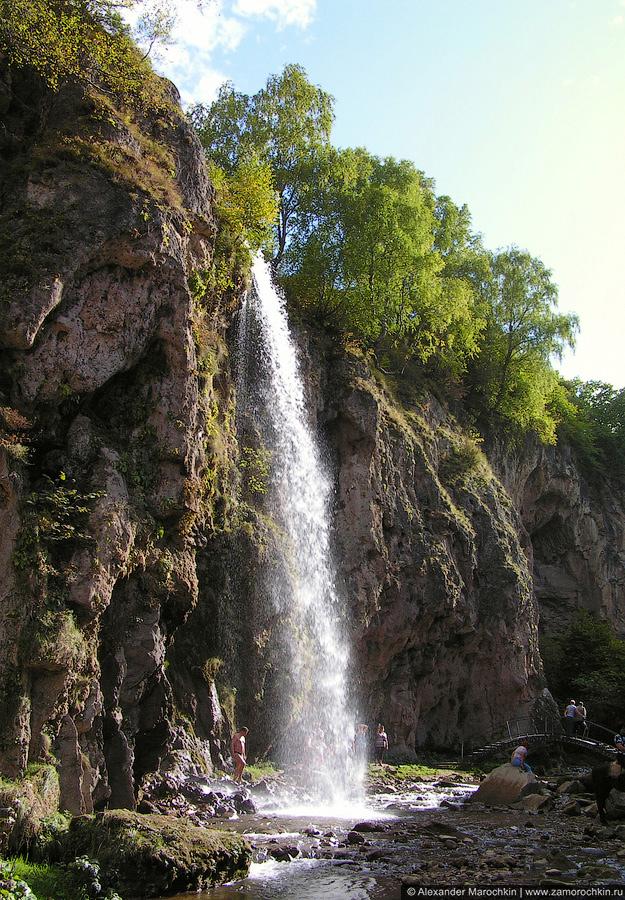 Большой Медовый водопад в полный рост