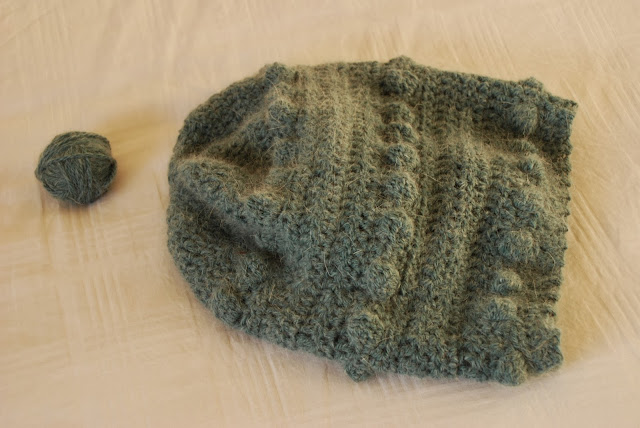 image of slouchy crochet bobble hat