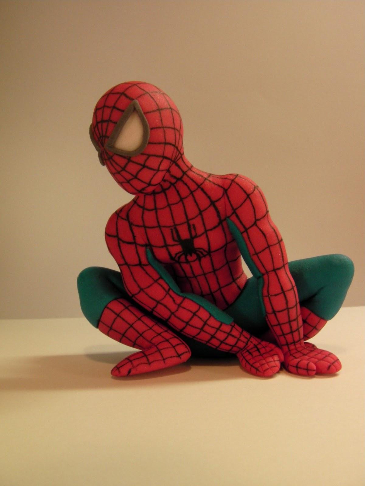 spiderman fondant figure spajdermen figurica za tortu. Black Bedroom Furniture Sets. Home Design Ideas