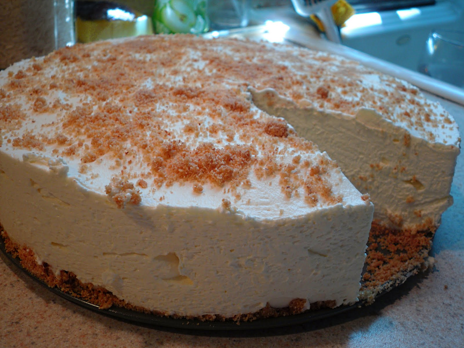 Comfy Cuisine: No-Bake Whipped Cream Cheesecake