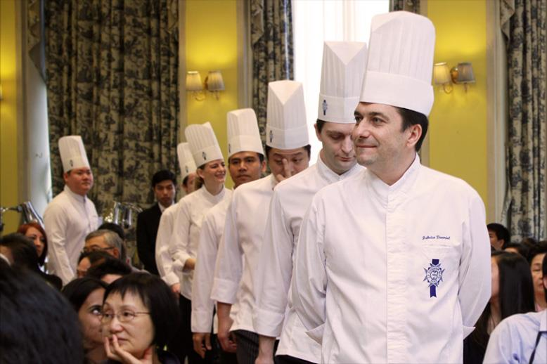 Graduating with a diplome de cuisine from le cordon bleu for Academy de cuisine