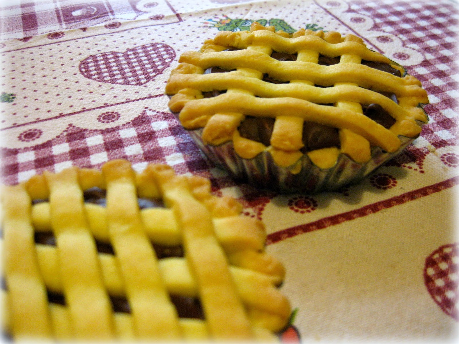 La ricetta delle crostatine alla nutella è molto golosa e semplice da realizzare anche a casa vostra