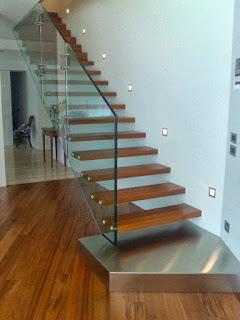 Model tangga kayu minimalis sederhana