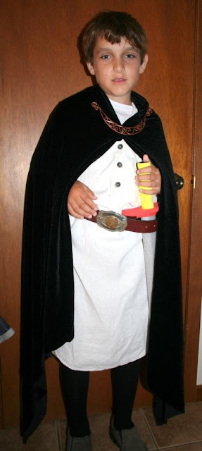 Medieval knight, grade 4 social studies event :: All Pretty Things