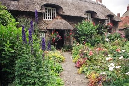 One Creative Lass Cottage Gardens