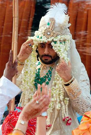 Aishwarya Rai Baby Photo Abhishek Bachchan Wedding