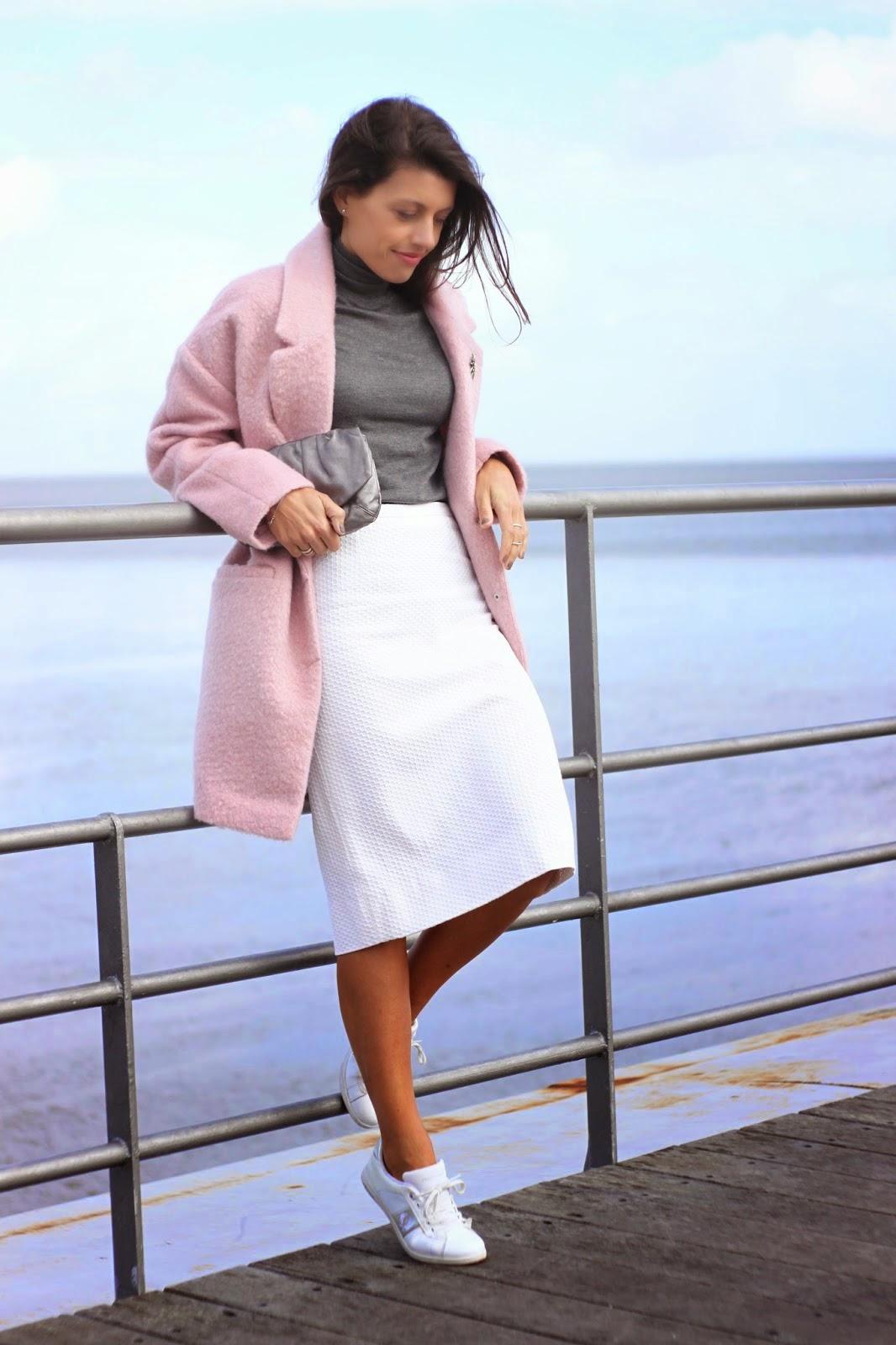 http://ilovefitametrica.blogspot.pt/2014/11/oversized-pink-coat.html