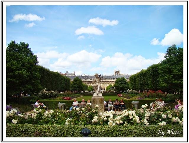 palatul-royal-paris