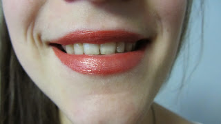 Clothes & Dreams: #Shoplog: Manhattan: lip colour & gloss after 7 hours of wearing