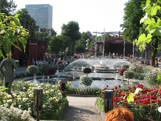 Viajero turismo copenhague una visita deliciosa en verano for Jardin tivoli