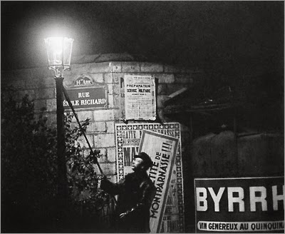 http://greeneyes55.tumblr.com/post/84138001402/paris-1931-32-photo-brassai