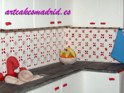 detalle del armario y el fregadero de la cocina