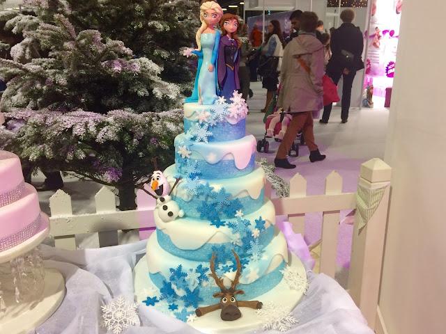 Cake & Bake Show Frozen Cake