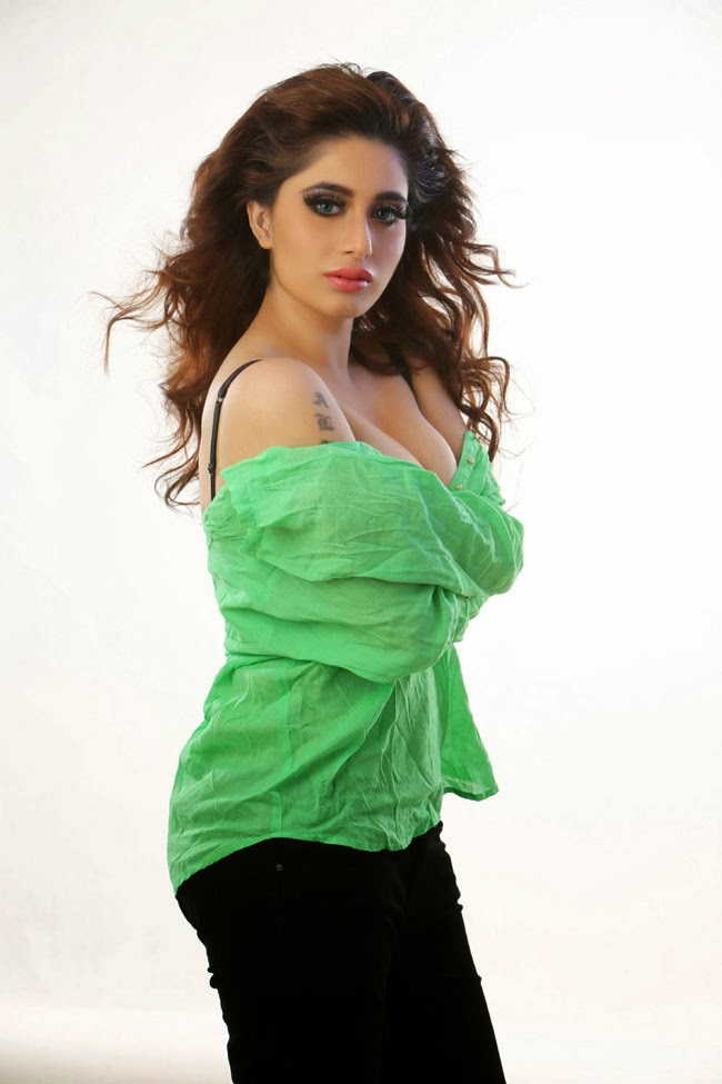 Alisa Khan wallpapers Photos - The Times of India Photogallery