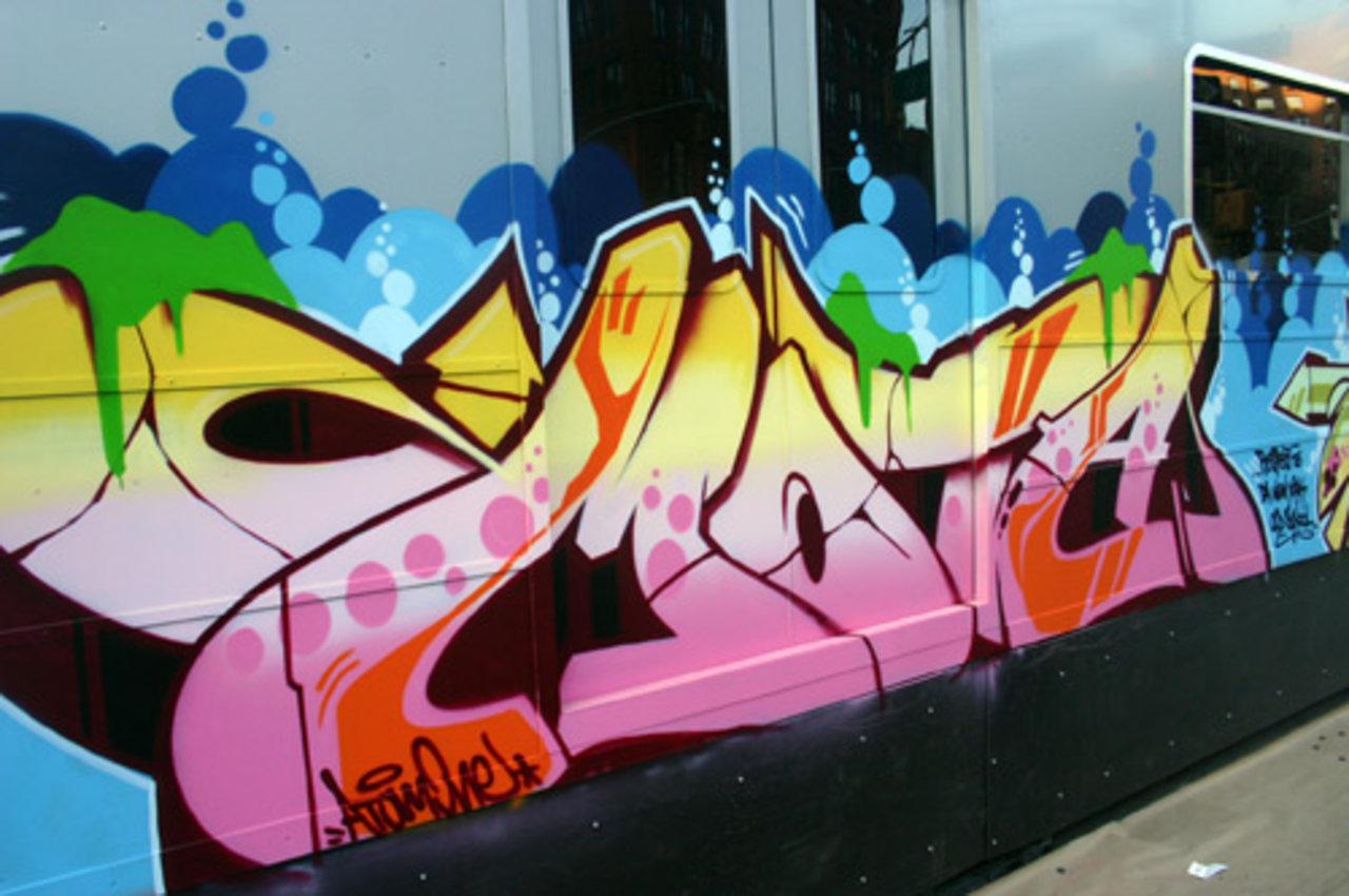 Historia tecnicas del graffiti for Graffitis y murales callejeros