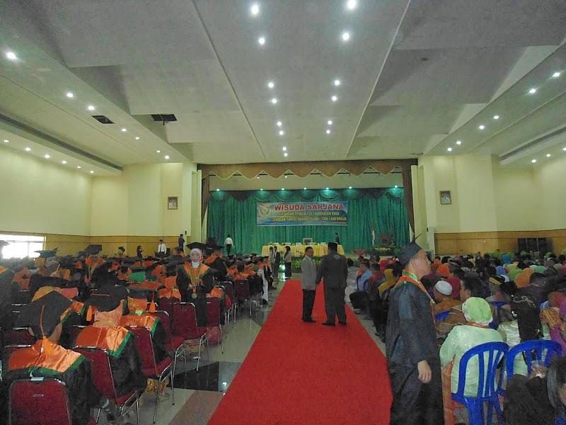 Suasana acara wisuda STAI Baturaja