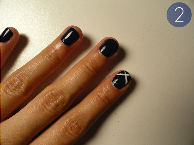 chevron tip nails, chevron nail design, navy polish