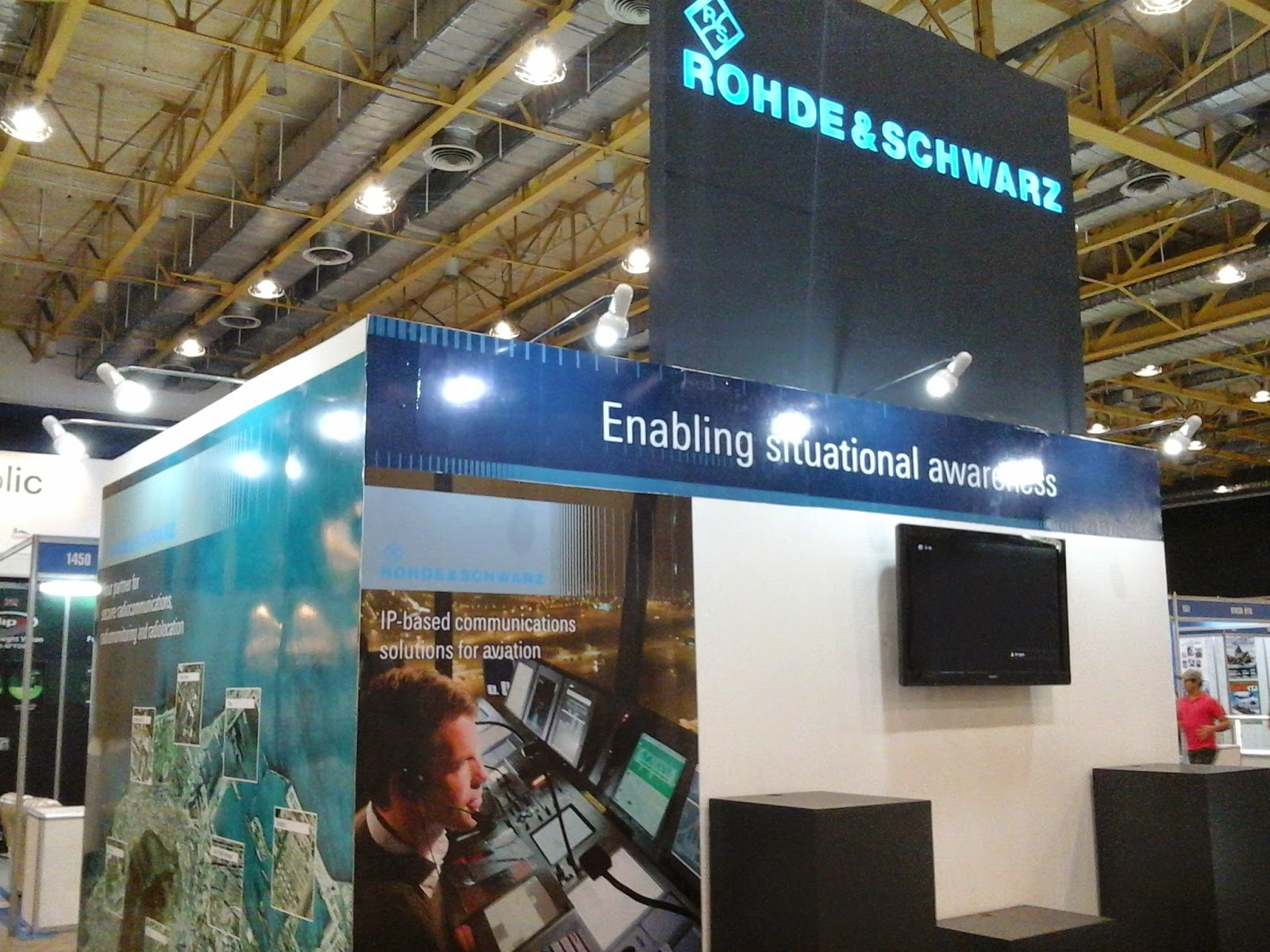Side view of Rohde & Schwarz Exhibition Booth