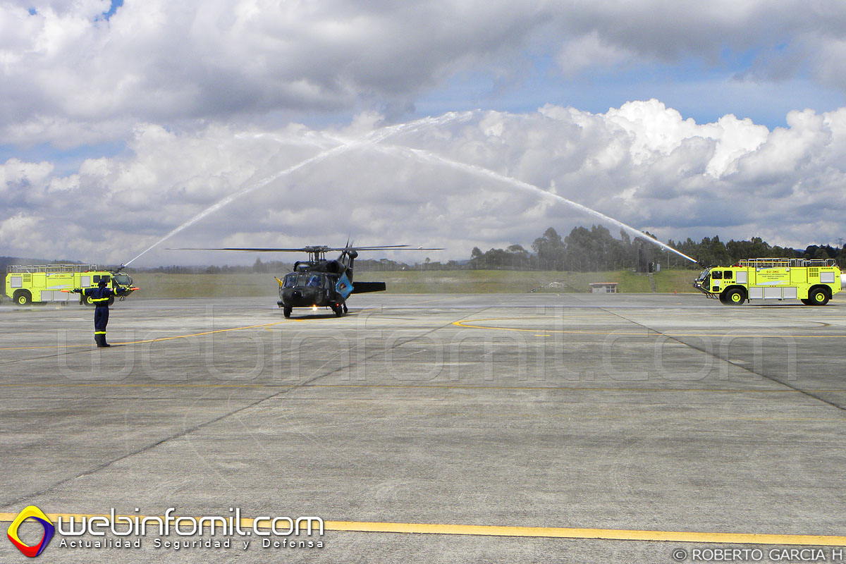 el Helicóptero UH-60L FAC-4106 desplegó sus alas nuevamente en la Casa de los Halcones Valientes