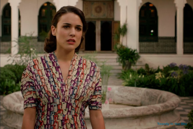 Sira Quiroga vestido estampado colores. El tiempo entre costuras. Capítulo 5