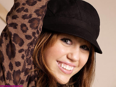 Miley Cyrus the singer HD latest Wallpaper