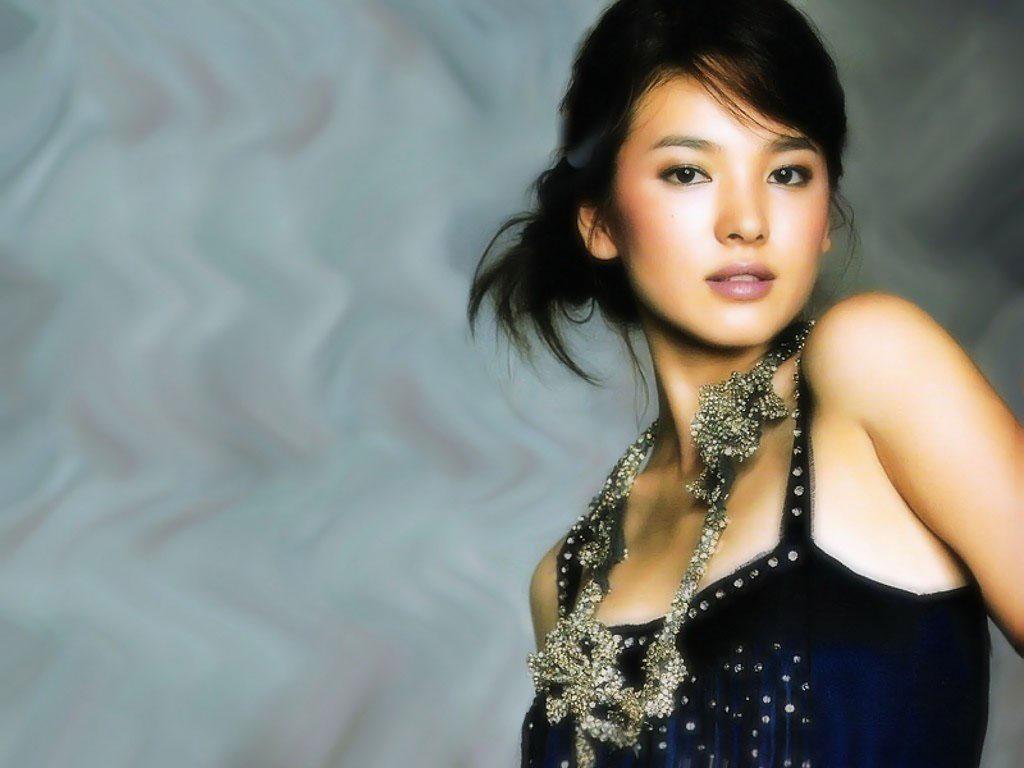 http://1.bp.blogspot.com/-CNFI9ddaSaU/UAloI2U7dwI/AAAAAAAAKAw/NCZavhBRRVM/s1600/song_hye_kyo_hot_wallpaper+(5).jpg