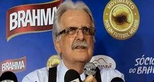 Schmidt nega acusação de ser presidente de fachada