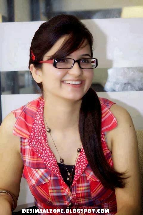 Pakistani Office Girls Beautiful And Sexy