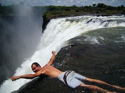 devil-s-pool-victoria-falls-livingstone-zambia