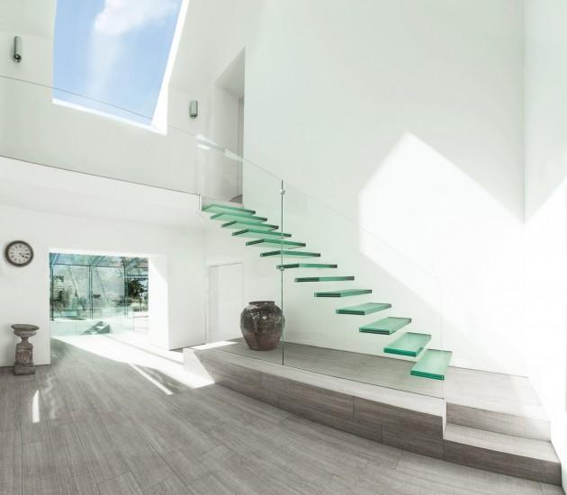 Casas minimalistas y modernas escaleras interiores for Interiores minimalistas